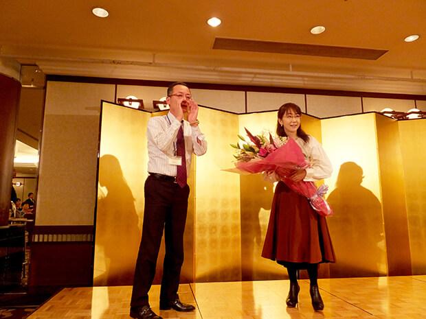 唐橋ユミ様が本社を表敬訪問され、忘年会にもご参加いただきました。