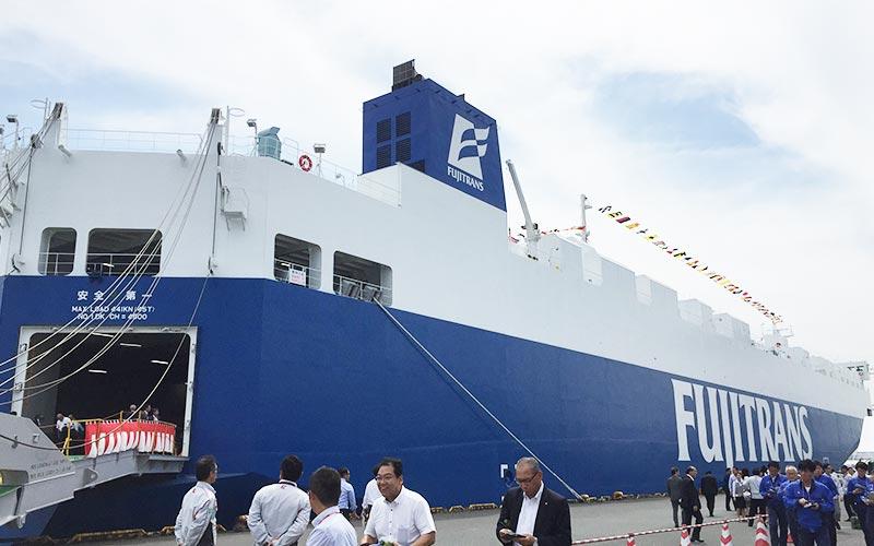 自動車運搬船「いずみ丸」の就航披露見学会に参加いたしました。