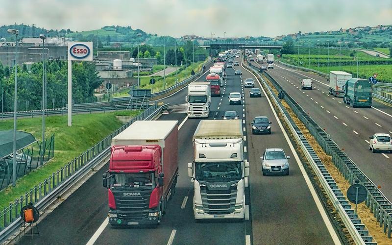 業界最大手企業様より輸出入システムTOSS-SPを450ライセンス受注。